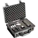 Pelican 1500 Case With Padded Divider; Black