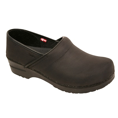 Sanita Footwear Womens Professional Lisbeth Closed Oil Leather Clog 4.5-5 (450206W-02-35)