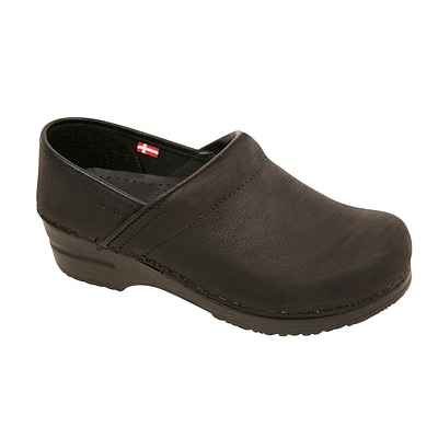 Sanita Footwear Leather Womens Professional Oil Clog Black (450211-02-37)