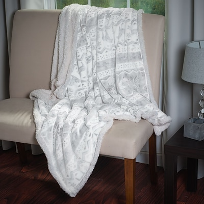 Lavish Home 61-00004-F Snow Flakes Throw, White