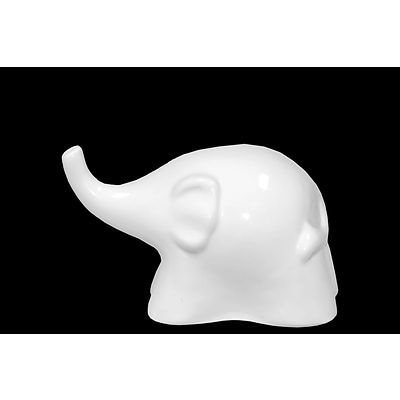 Urban Trends Ceramic Figurine; 8.5L x 4.5W x 5.5H, White (70567)