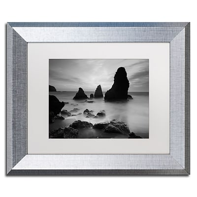Trademark Fine Art Rodeo Beach I Black and White by Moises Levy 11 x 14 White Matted Silver Frame (ALI0068-S1114MF)