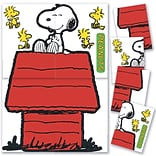 Eureka Peanuts Giant Character Snoopy and Dog House Bulletin Board Set, 4 pieces (EU-847611)