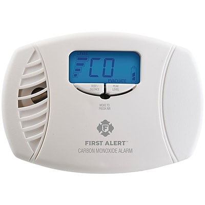 First Alert Dual-power Carbon Monoxide Plug-in Alarm With Digital Display(1039746)