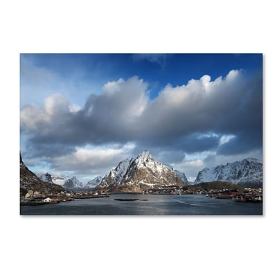 Trademark Fine Art Philippe Sainte-Laudy Happy Hour in Norway 12 x 19 Canvas Stretched (190836126866)